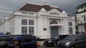 Gedung Nedhandel NV di Jalan Asia Afrika Bandung. Sekarang ditempati oleh Bank Mandiri |Foto serbabandung.com