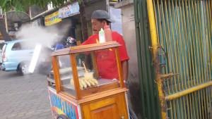 Bandros 2 Rasa Jalan Buahbatu Bandung. | Foto serbabandung.com #serbabandung