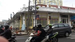 Gedung Apotek Kima Farma di Jalan Braga - Jalan Asia Afrika Bandung | Foto serbabandung.com