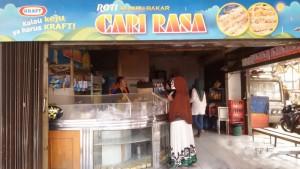 Roti Bumbu Cari Rasa di Jalan Ahmad Yani (Kosambi) Bandung. | Foto serbabandung.com #serbabandung
