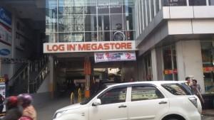 Log In Megastore di Jalan ABC, Bandung. | Foto serbabandung.com #serbabandung