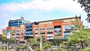 BTC Fashion Mall di Jalan Dr. Djunjunan No. 143-149 , Bandung. | Foto facebook.com/btcfashionmall/?fref=ts
