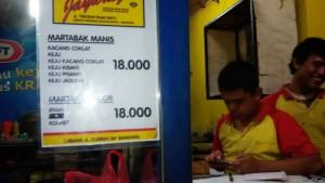 Martabak Jayaraga di Jalan Terusan Buahbatu, Bandung. | Foto serbabandung.com #serbabandung
