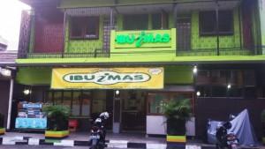 Warung Nasi Ibu Imas, Jalan Balonggede, Bandung. | Foto serbabandung.com #serbabandung