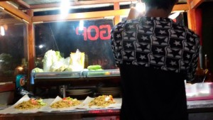 Penjual nasi goreng di Bandung. | Foto serbabandung.com #serbabandung