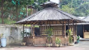 Kampung Wisata Eco Bambu di Jalan Cipaku, Ledeng, Bandung. | Foto ecobambucipaku.com