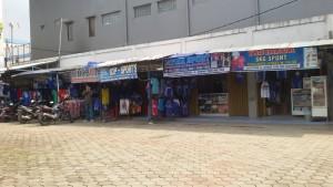 Penjual Kaus di Stadion Sidolig (Stadion Persib). | Foto serbababdnung.com #serbabandung