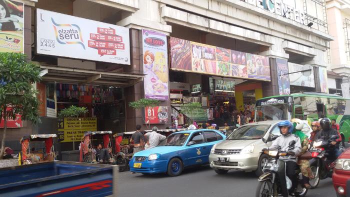 Tempat Belanja Murah di Kawasan Pasar Baru Bandung