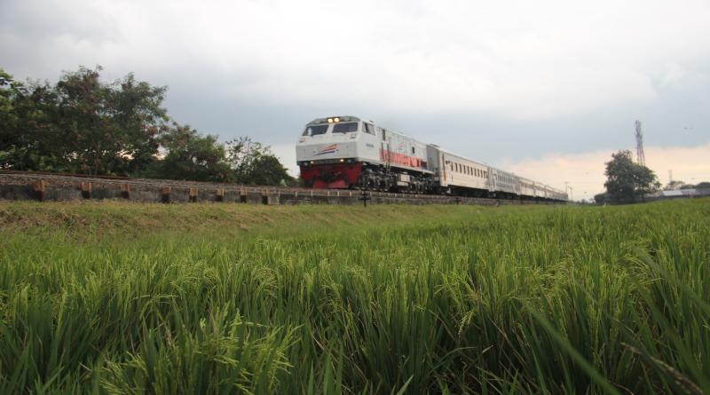 KA Pangandaran, Siap Membawa Warga Bandung ke Banjar
