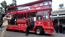 Bus Bandros, Harus Antre untuk Dapatkan Tiket
