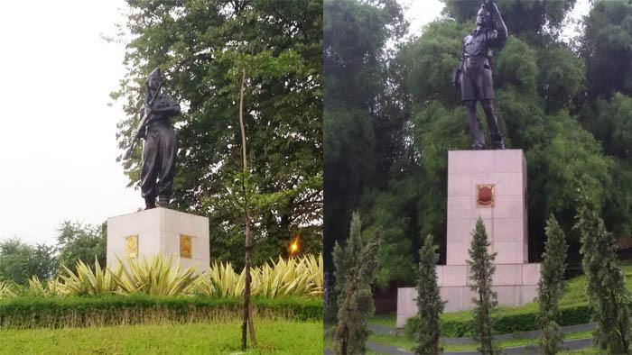 Dua Patung di Kawasan Viaduk
