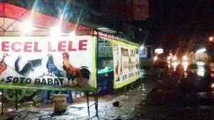 Jongko Pecel Lele di Bandung | Foto serbabandung.com