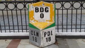 Pal 0 Km Bandung di Jalan Asia Afrika | Foto serbabandung.com
