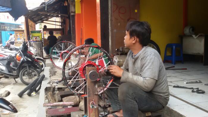 Servis pelek di Katapang