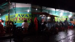 Bubur ayam Pak Otong Jalan Sudirman Bandung | Foto serbabandung.com #serbabandung