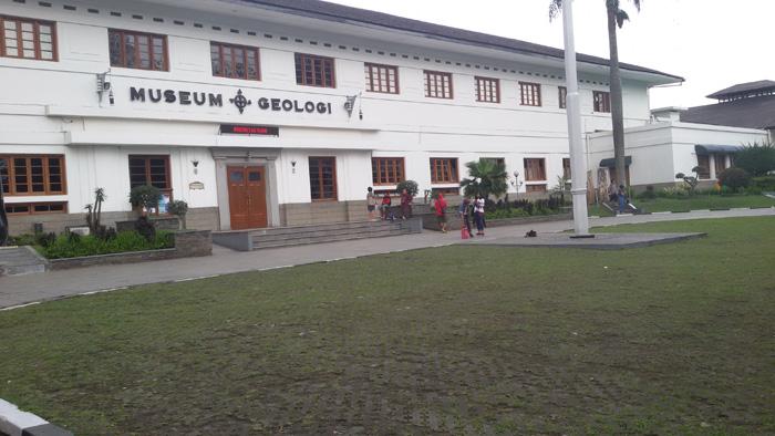 Museum Geologi di Bandung yang Buka Pada Malam Hari