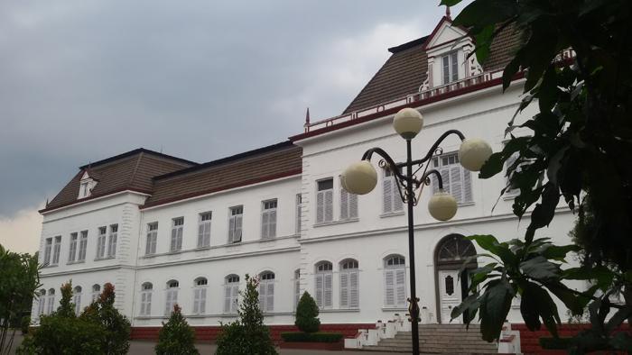 Gedung Cagar Budaya di Kawasan Lalu Lintas Bandung