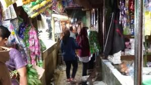 Pasar Kordon di Jalan Margacinta, Bandung. | Foto serbabandung.com #serbabandung