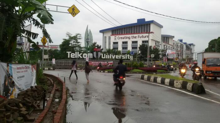 Telkom University di Jalan Telekomunikasi, Terusan Buahbatu