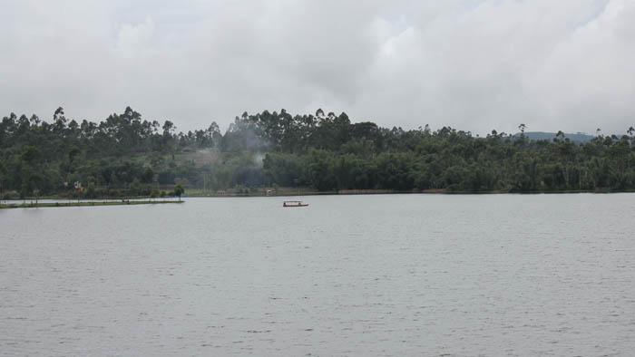 Wisata Bandung Selatan situ cileunca