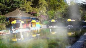 Pemandian air panas Cibolang di Pangalengan.| Foto bandung.panduanwisata.com