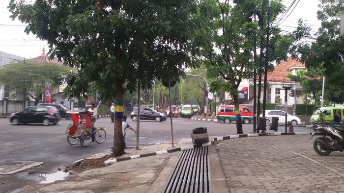 rumah kembar di Jalan Gatot Subroto