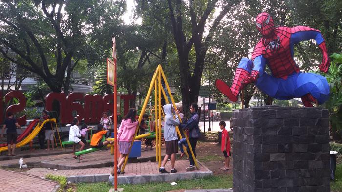 taman superhero di jalan anggrek bandung