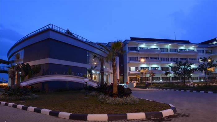Hotel Sutan Raja