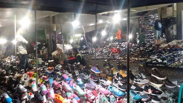 penjual sepatu