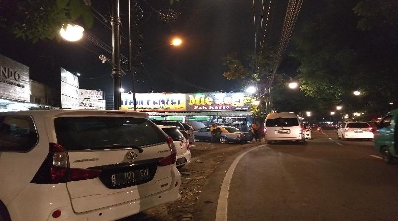 Mie Jogja Pak Karso di Jalan ABC Berdampingan dengan Ayam Penyet