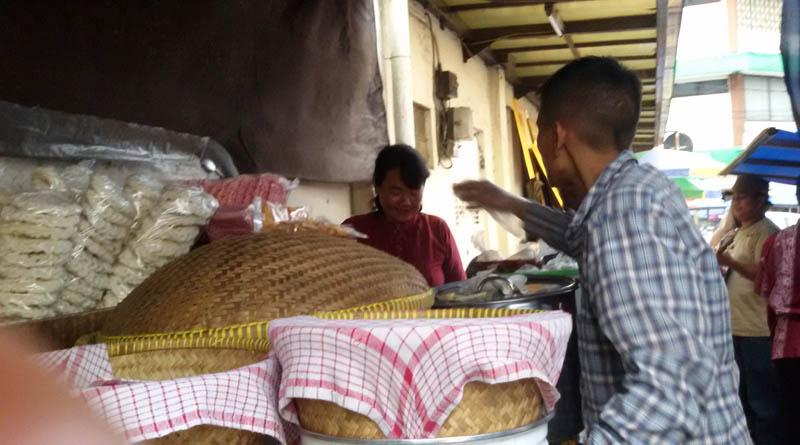 kuliner tradisional lotek alkateri