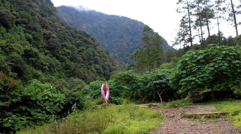 spot foto gunung puntang