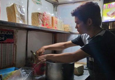 Penjual Roti Bakar di Gang Kote Sudah Berjualan Sejak 1969
