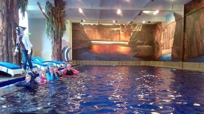 Hijab Swimming Pool