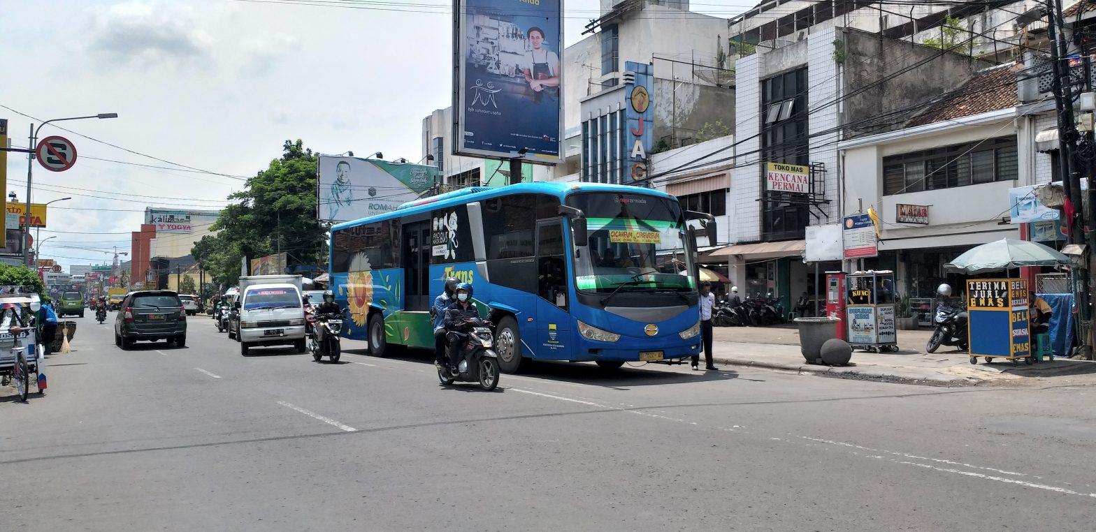 Jalur bus Damri Cicaheum Cibeureum bandung